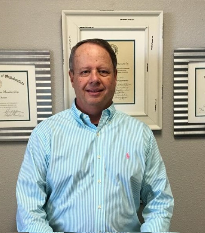 Dr. James Henson of Henson Orthodontics in Lake Jackson TX has offered braces and Invisalign in Brazoria County for over 30 years. With an office in Angleton and Lake Jackson, and ongoing specials and finance options too.